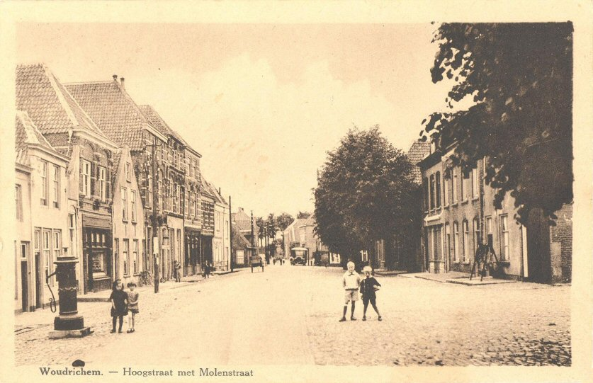 STRAAT -- Hoogstraat (014) met Molenstraat