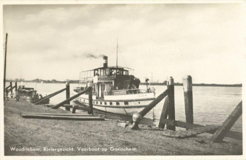 009 RIVIER -- (013) Veerboot op Gorinchem