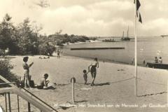 STRANDBAD -- (010) Het strandbad aan de Merwede de Goudkust