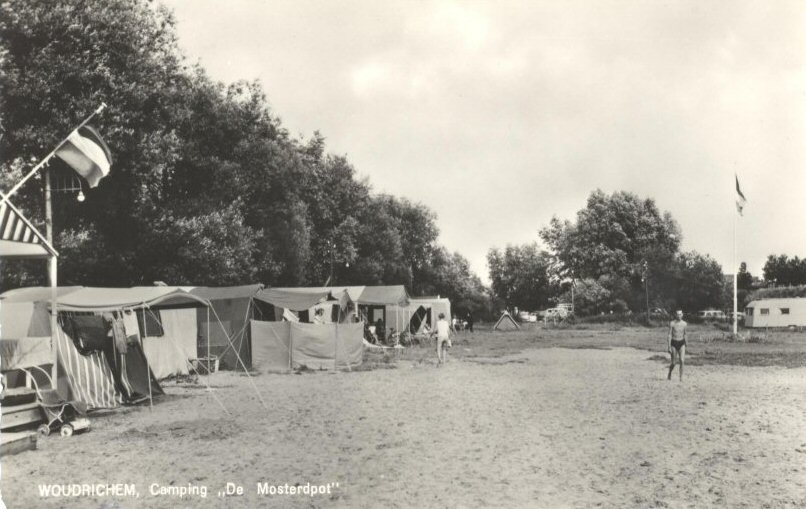 CAMPING -- (011) De Mosterdpot