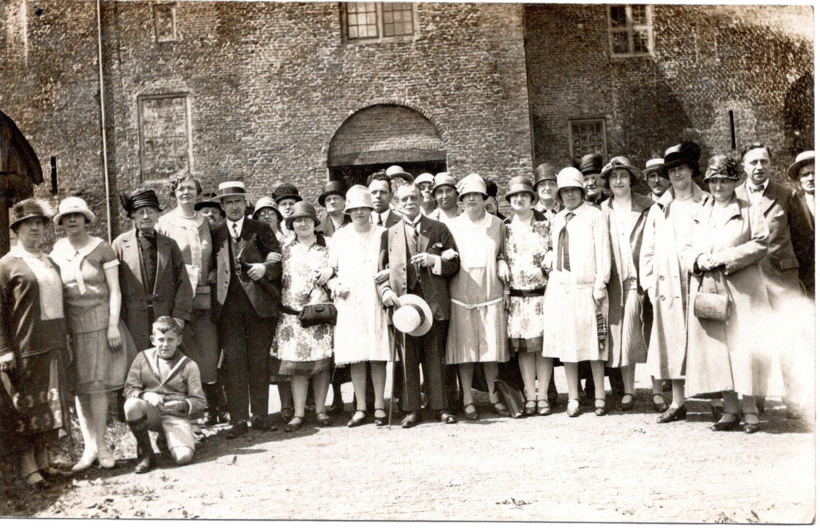 D6-ca-1920