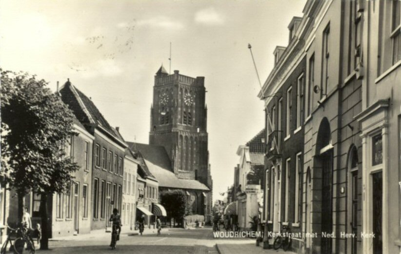 STRAAT -- Kerkstraat (013) met Ned.Herv.Kerk