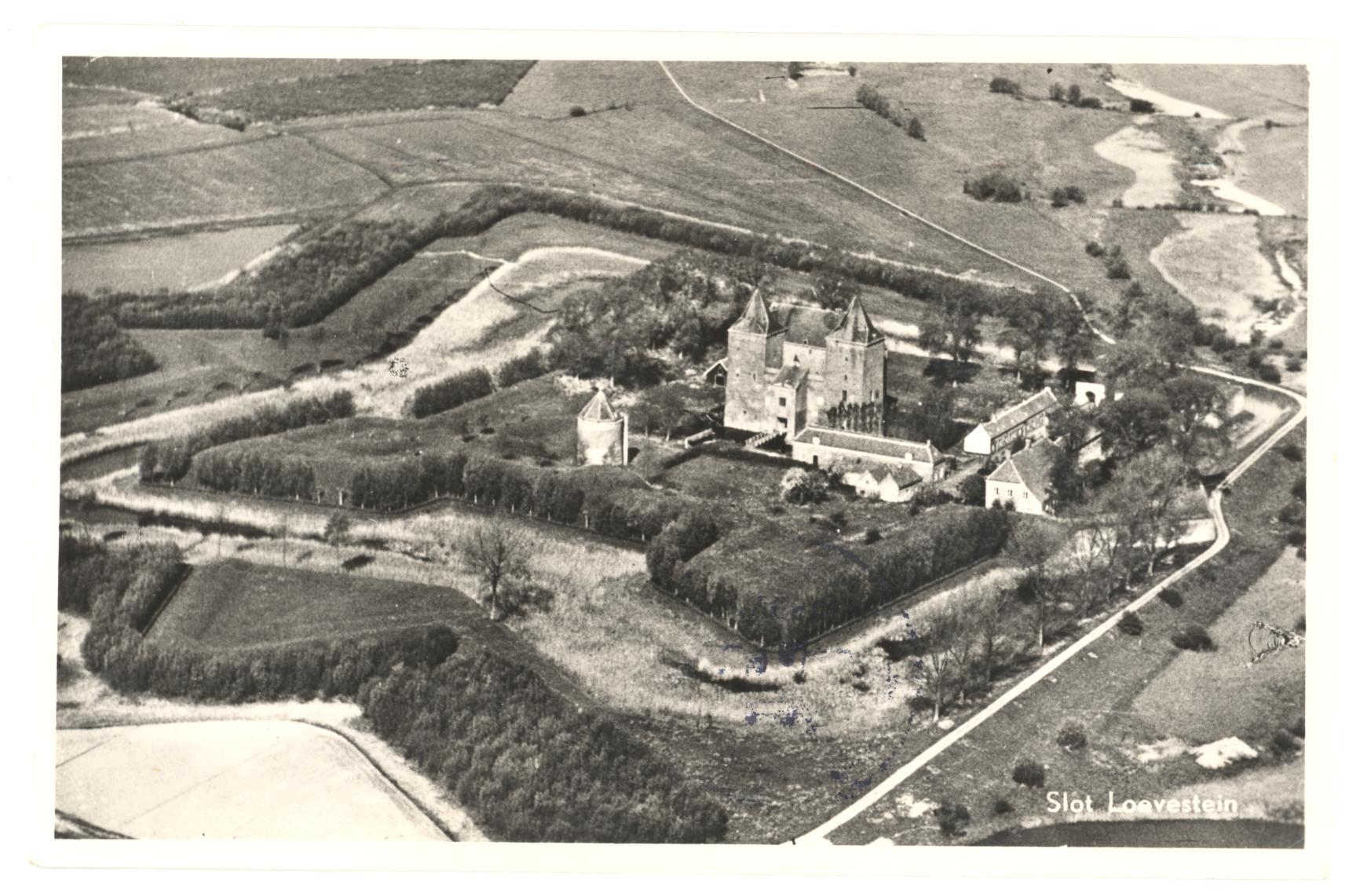 12-Slot-Loevestein-1952