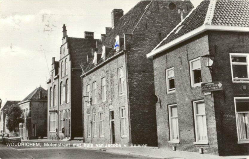 STRAAT -- Molenstraat (002) met huis van Jacoba van Beieren