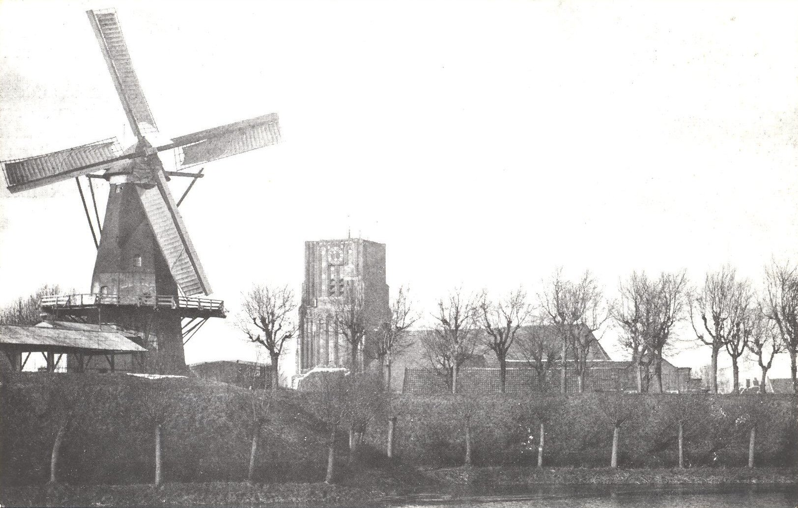 025 KERK -- (035) Korenmolen 'Nooit Gedagt' Ao. 1862, in 1945 opgeblazen foto 1913
