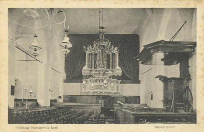 065 KERK -- (024) Interieur Hervormde kerk
