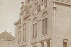 01 MONUMENT -- (P) (013) Postkantoor