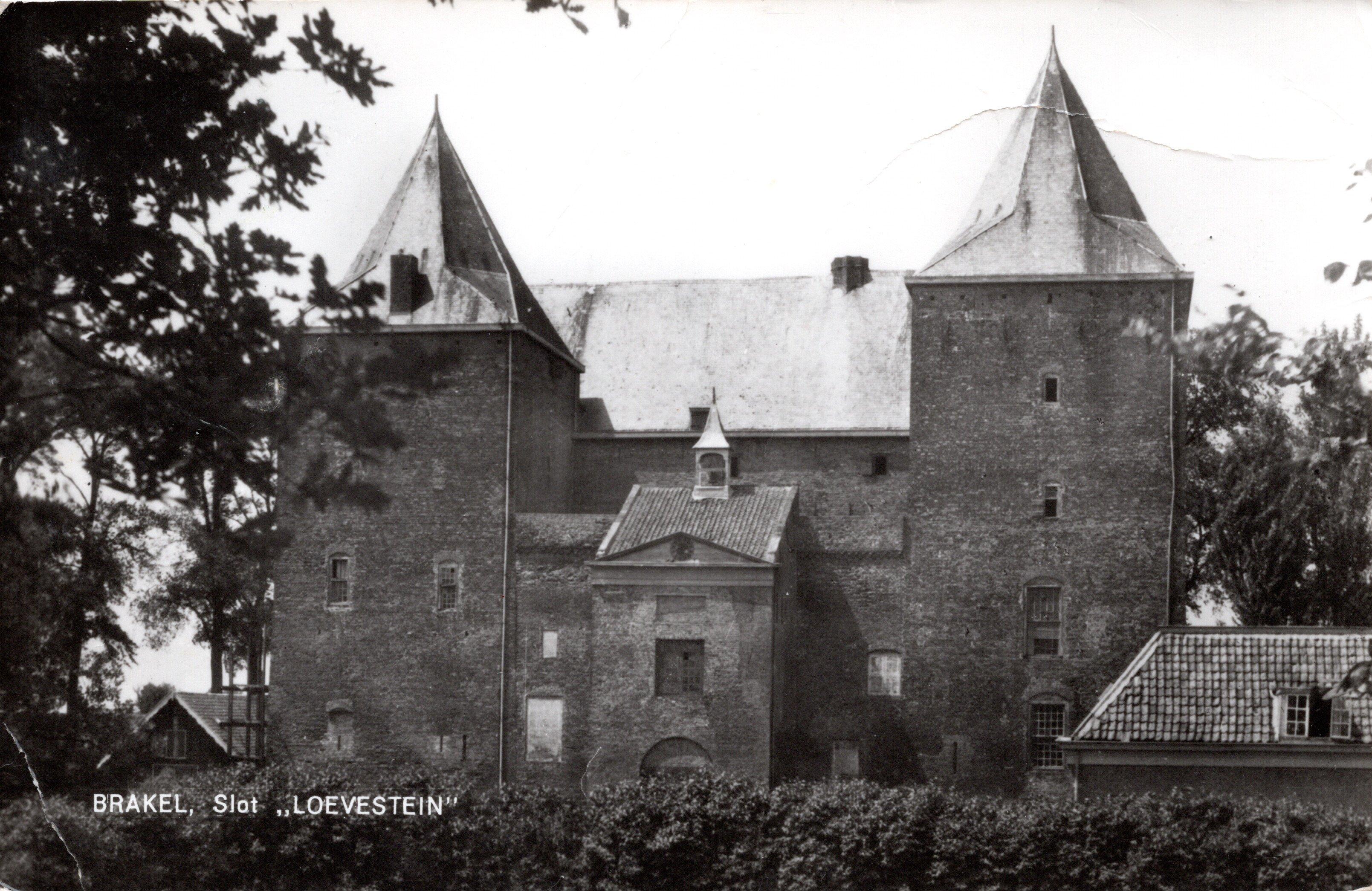 B13-Brakel-Slot-Loevestein-1976