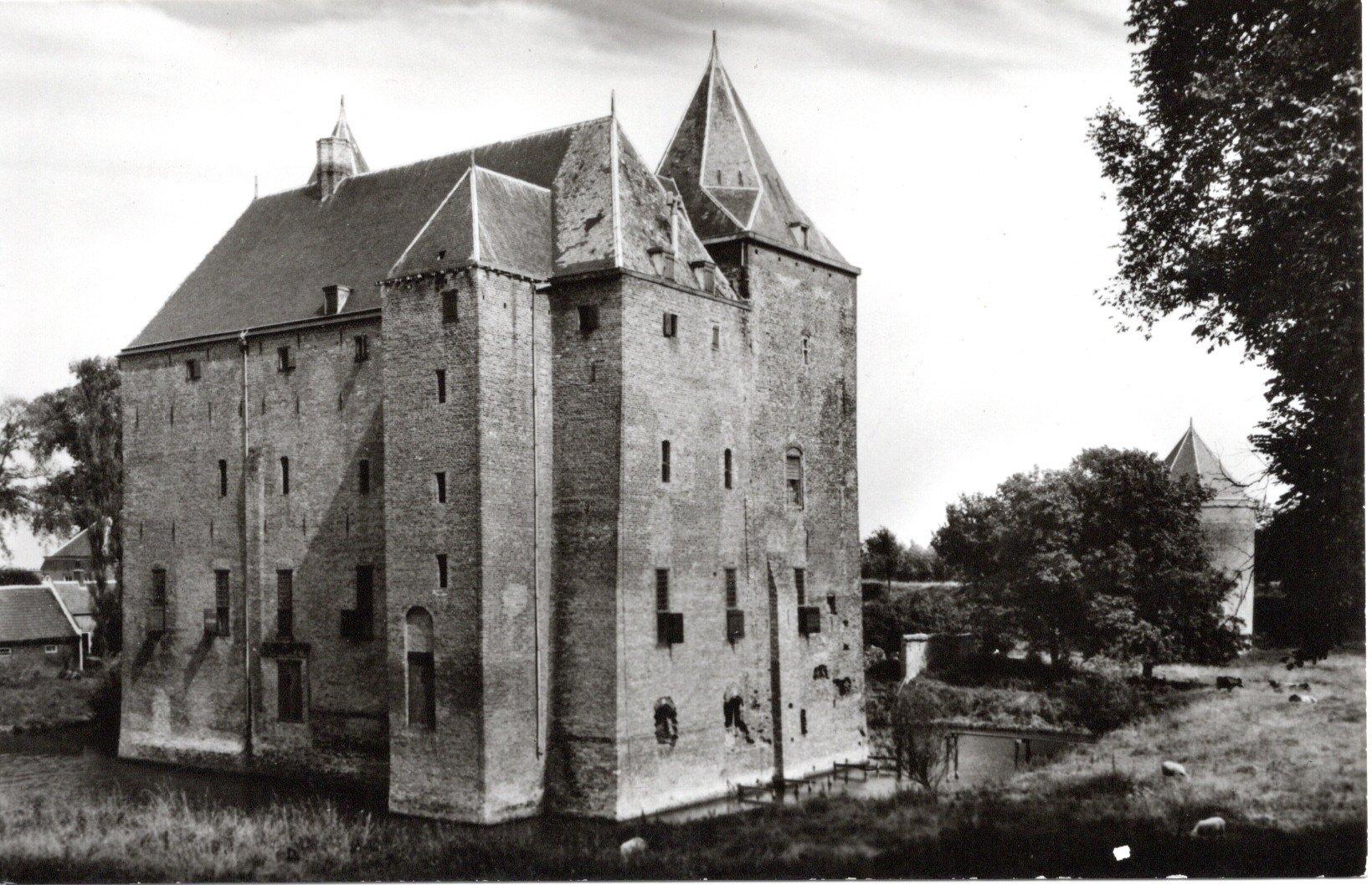 C13-Slot-Loevestein-bij-Woudrichem-1964