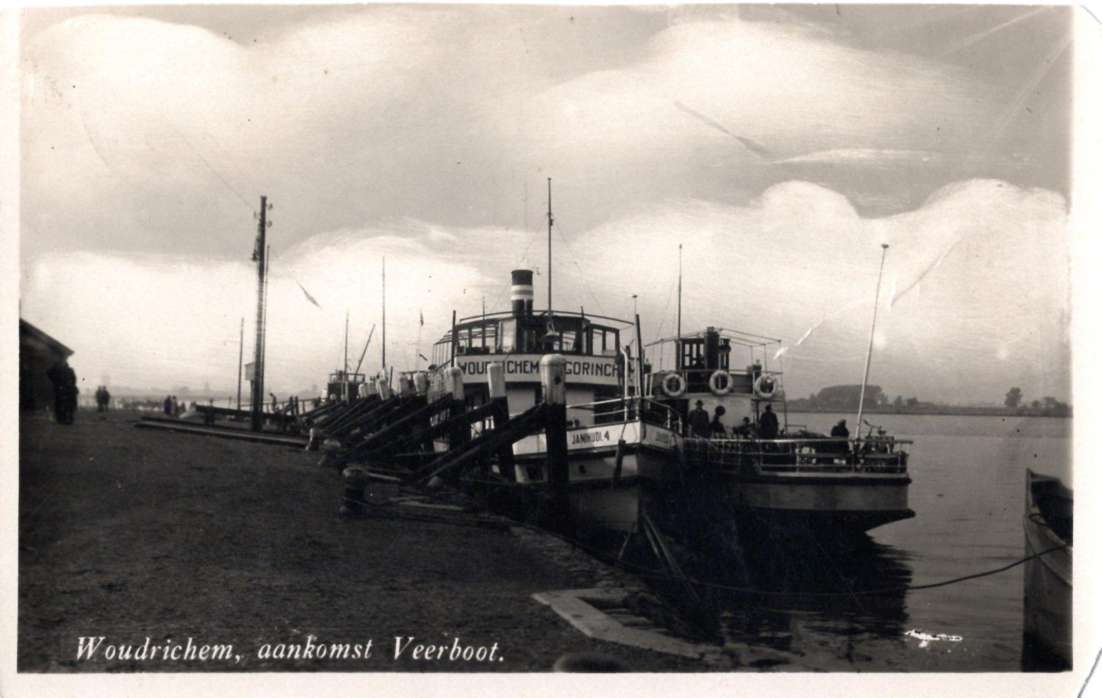 RIVIER-080-aankomst-veerboot