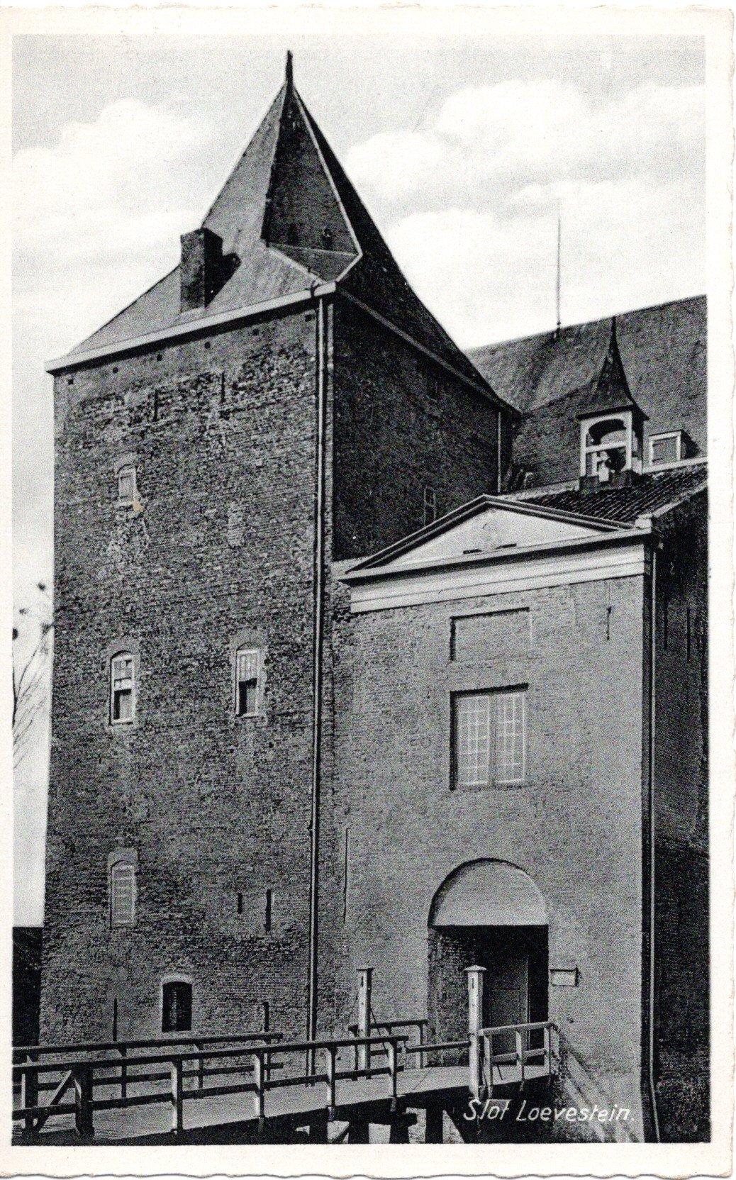 D3-Slot-Loevestein-ca-1910