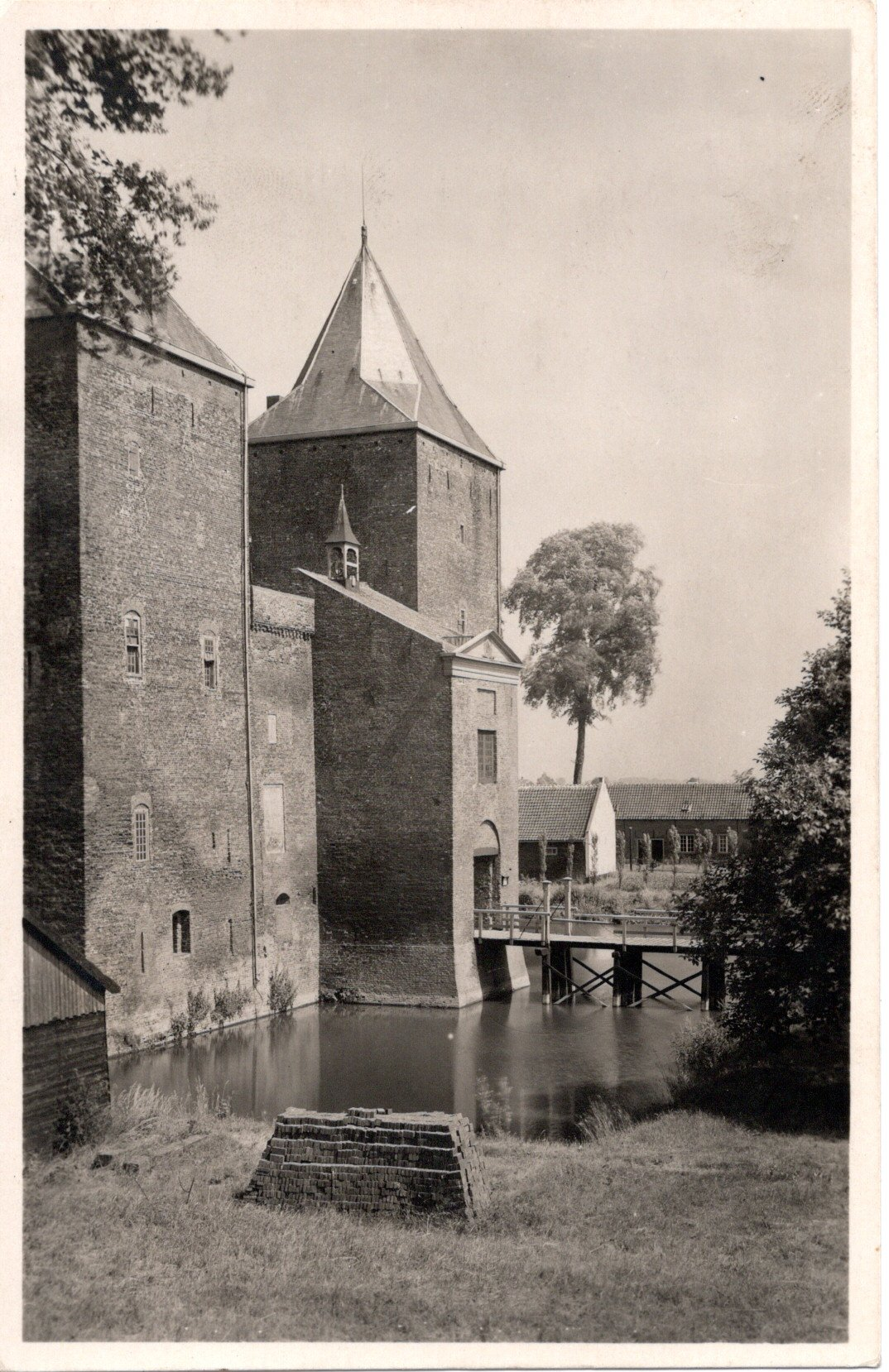 D5-Gorinchem-Slot-Loevestein-1944
