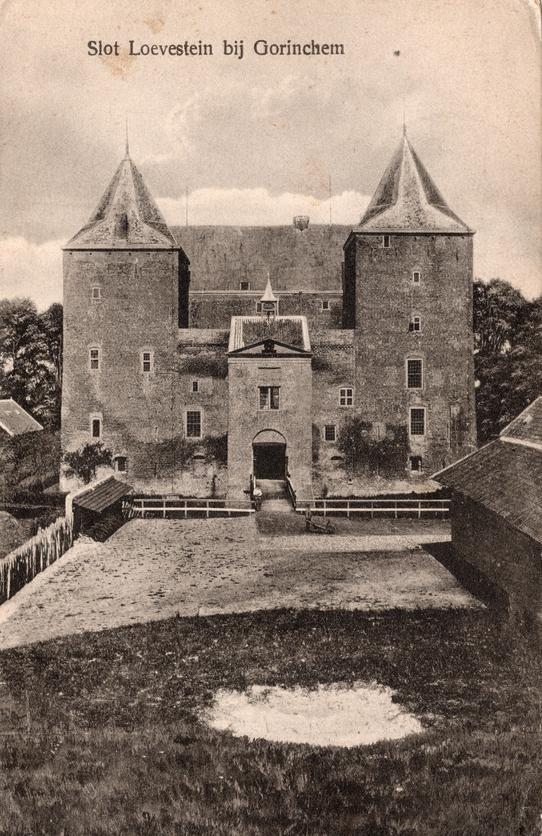A3-Slot-Loevestein-bij-Gorinchem-1924