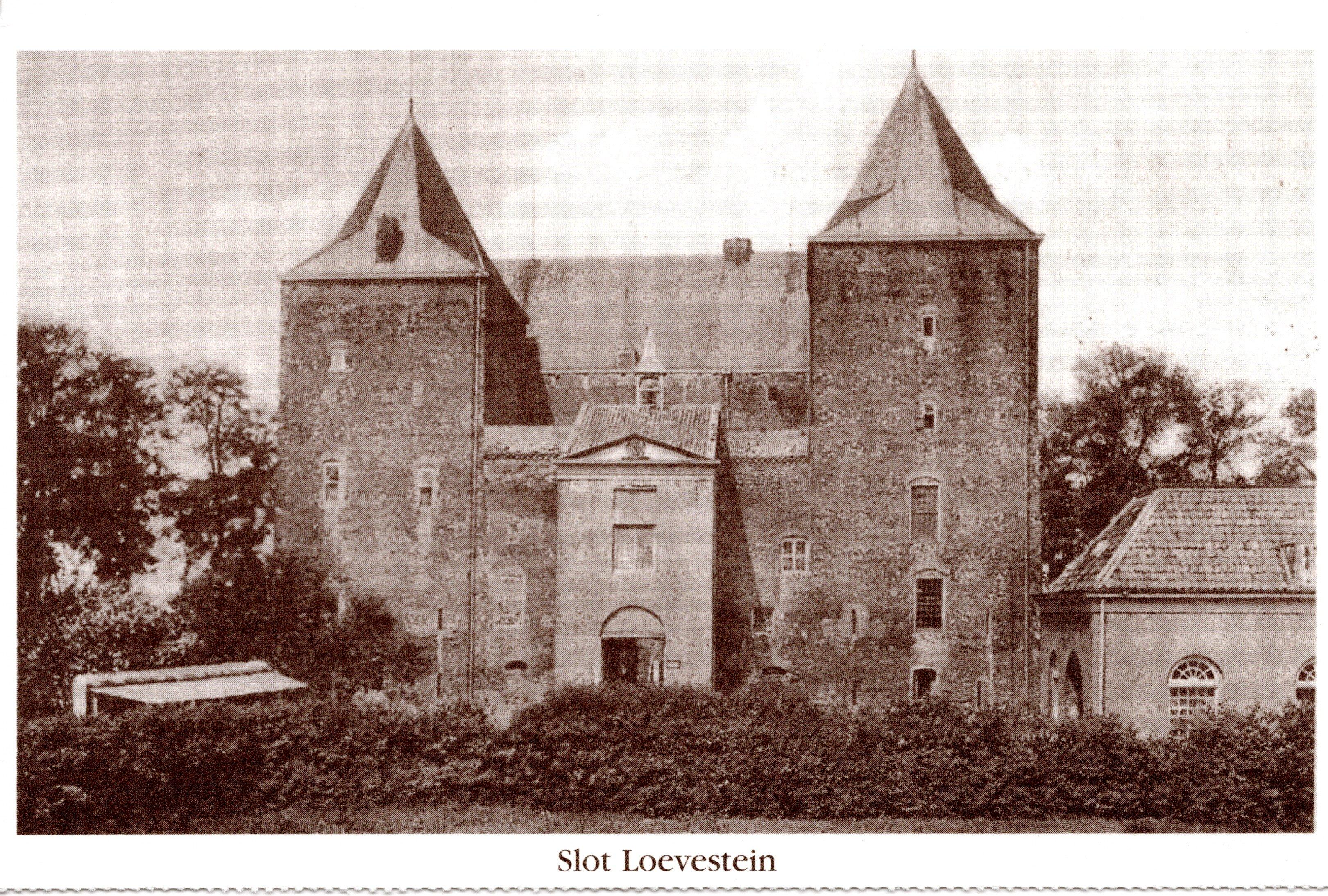 B5-Slot-Loevestein-ca-1980