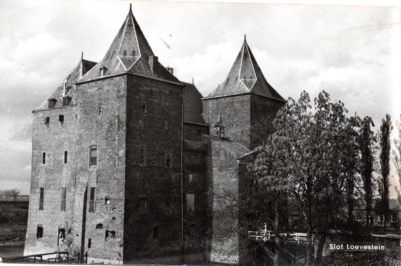 C1-Slot-Loevestein-1964