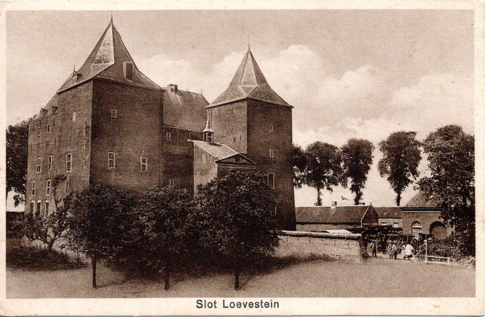 C20-Slot-Loevestein-ca-1940